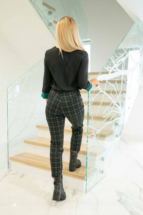 Pantaloni DOLLY de dama cadrilati 4