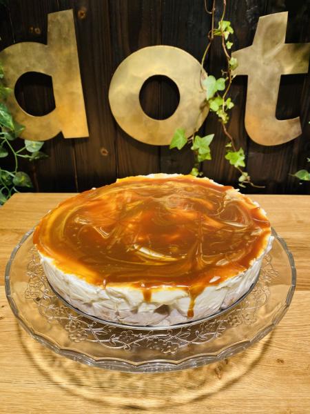 Chesscake întreg cu caramel sărat 1 kg 1