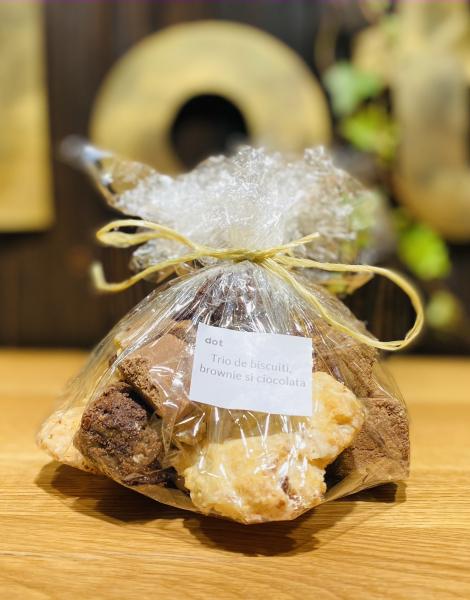 Trio de biscuiți, brownie și ciocolată de casă 500 gr 0