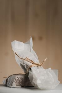 Ciocolată de casă cu țuică și prune uscate 200 gr2