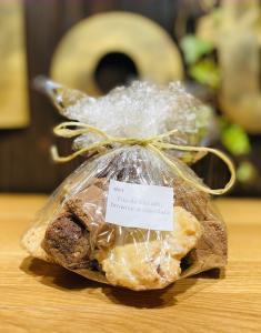 Trio de biscuiți, brownie și ciocolată de casă 500 gr0