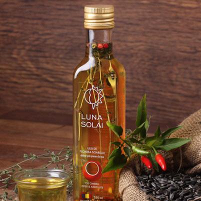 Ulei de floarea soarelui cu piper, ardei iute si cimbru obtinut prin presare la rece, 250ml 0