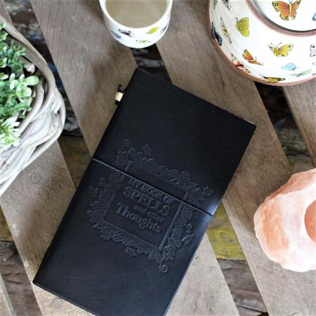 Agenda din piele Book of Spells2