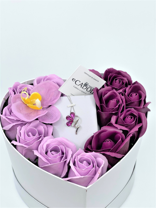Aranjament floral cu 13 trandafiri si orhidee din sapun R13MP-M3 si Colier Bloom Shine rose [0]