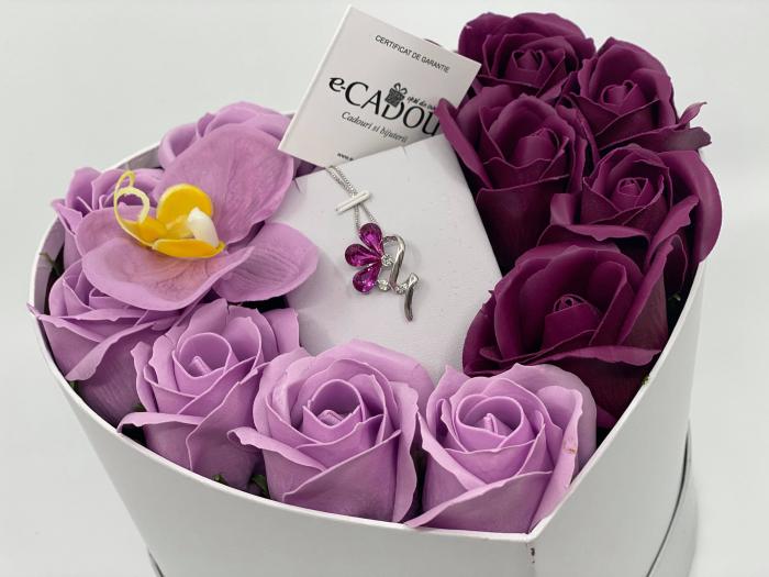 Aranjament floral cu 13 trandafiri si orhidee din sapun R13MP-M3 si Colier Bloom Shine rose [2]
