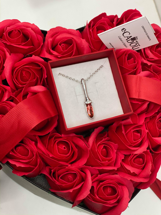 Aranjament floral cu 23 trandafiri din sapun SC-R141-M2 si Colier Aniela rosu [0]