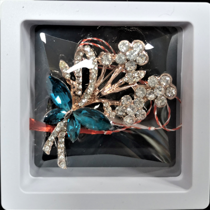 Broșă cu model Fluture si floricele cu pietre  turquoise 0