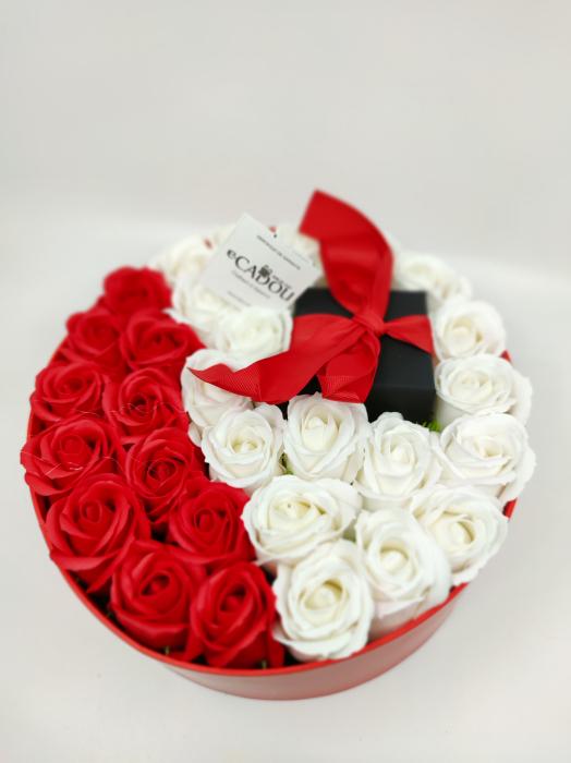 Pachet cadou cu 31 trandafiri din sapun rosii si albi  AC-R320-01 Expensive Heart red [3]