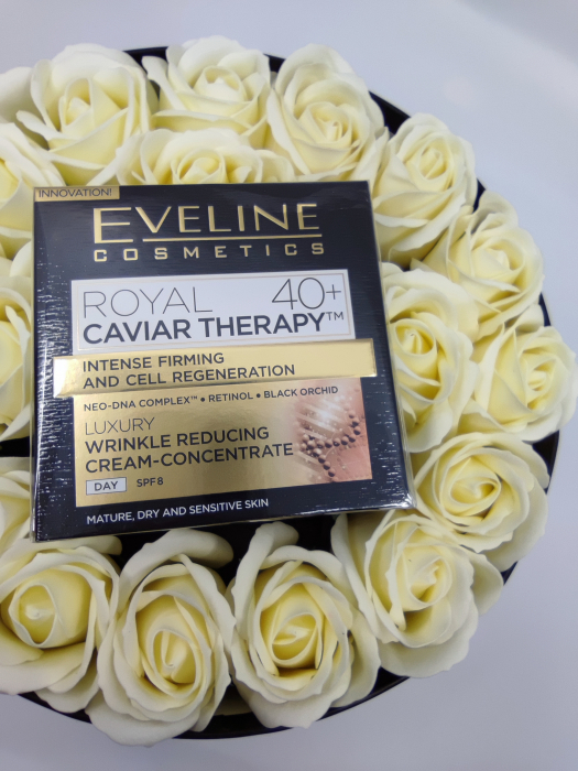 Pachet de LUX,  Crema concentrata anti-rid Royal Caviar 40+, Eveline Cosmetics,Edition De Luxe [4]