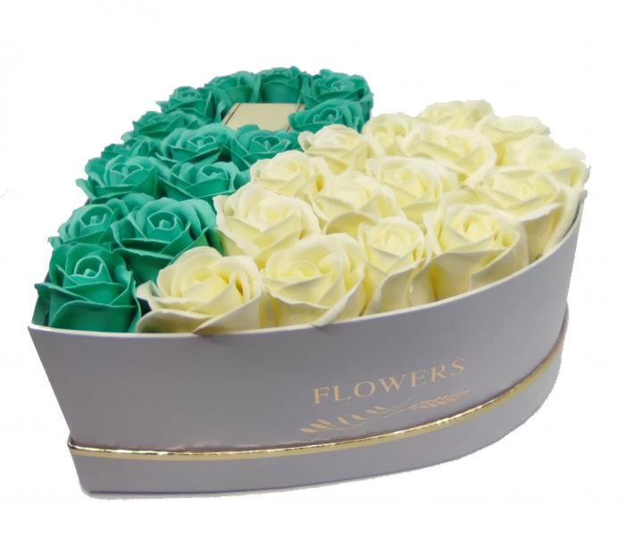 Set CADOU Regal White 18cm cu cristale placat cu aur 18k  si  aranjament floral 31 trandafiri din sapun [4]