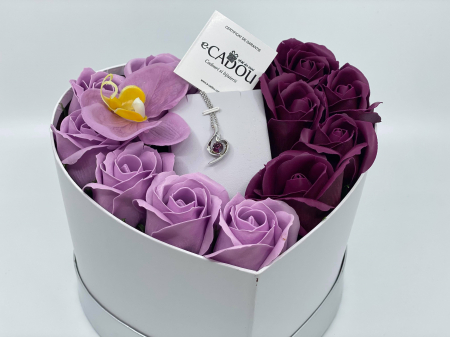 Aranjament floral cu 13 trandafiri si orhidee din sapun R13MP-M3 si Colier OFT purple [2]