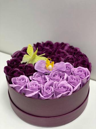 Aranjament floral cu 27 flori trandafiri si orhidee din sapun, SC-R139_M1 [1]