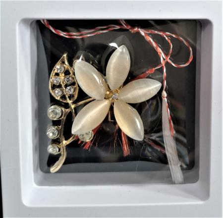 Broșă Floare cu 5 petale cu pietre multicolore0