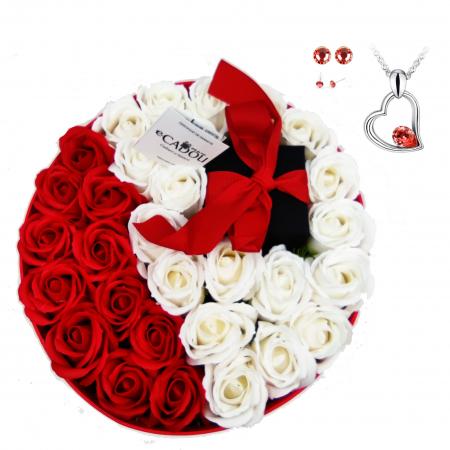 Pachet cadou cu 31 trandafiri din sapun rosii si albi  AC-R320-01 Expensive Heart red