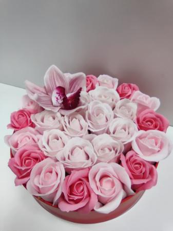Pachet cadou cu 27 trandafiri din sapun roz si albi  AC-R314 [1]