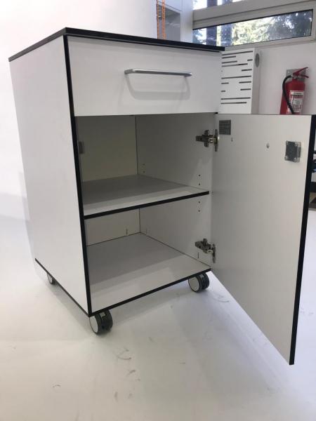 Corp mobil under-bench de depozitare, cu un sertar si o usa - 500 mm (HPL) [1]