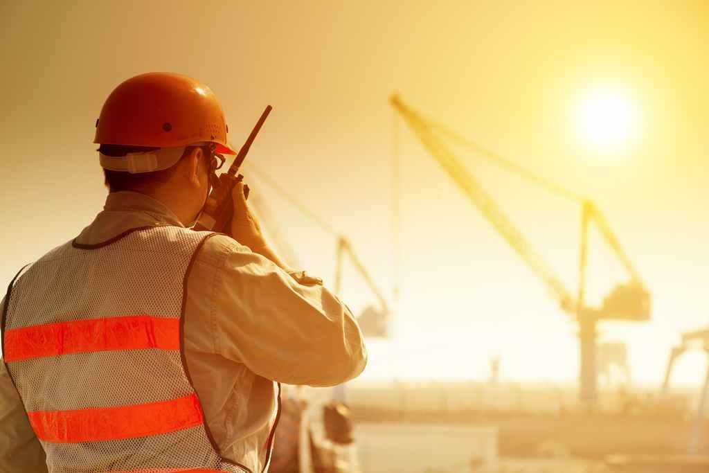 Siguranta muncii pe timp de vara: diferenta dintre epuizare si insolatie