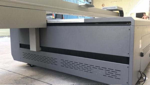 Imprimanta Flatbed UV MPE 2513 1