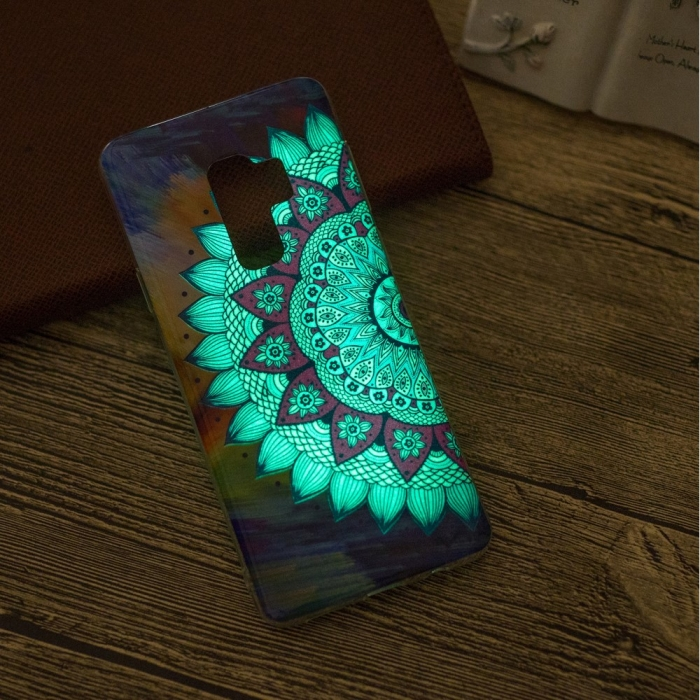 Husa silicon design lucios fosforescent Samsung S9+ - 5 modele 8
