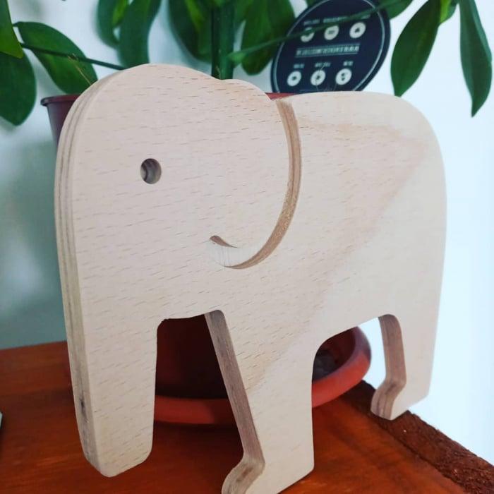 Elefant din lemn 0