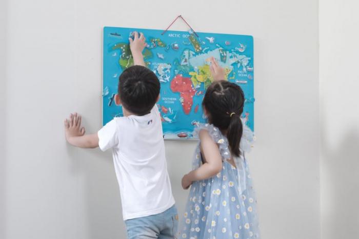 Puzzle magnetic Harta lumii si tabla de scris Viga [2]