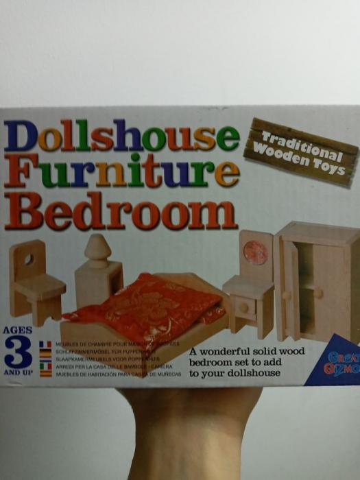 Mobila dormitor - mobilier pentru joc de rol/ casa de papusi 0