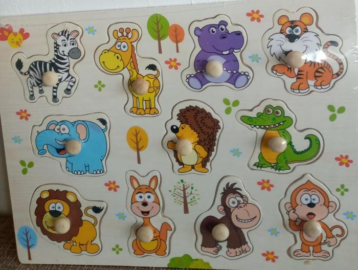 Puzzle din lemn, viu colorat cu animale salbatice 0