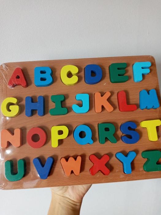 Puzzle incastru din lemn alfabetul – litere mari 3D [1]