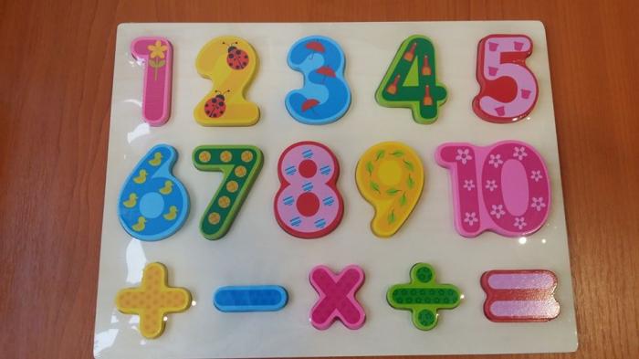 Puzzle incastru cifre 0