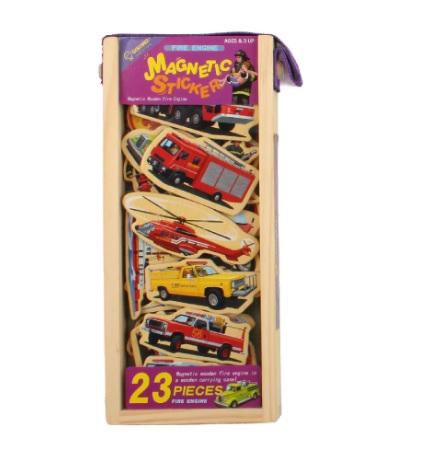 Set puzzle magnetic din lemn pentru copii - masini de pompieri 0