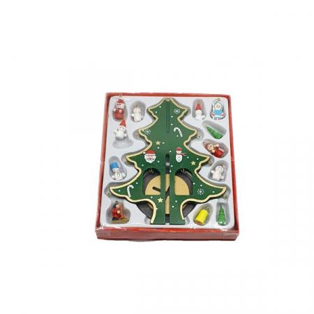 Decoratiune - brad de impodobit cu figurine din lemn0