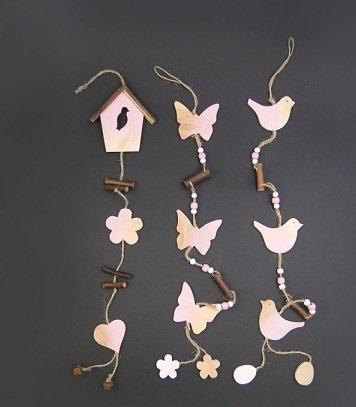 Ghirlanda decor cu figurine din lemn [1]