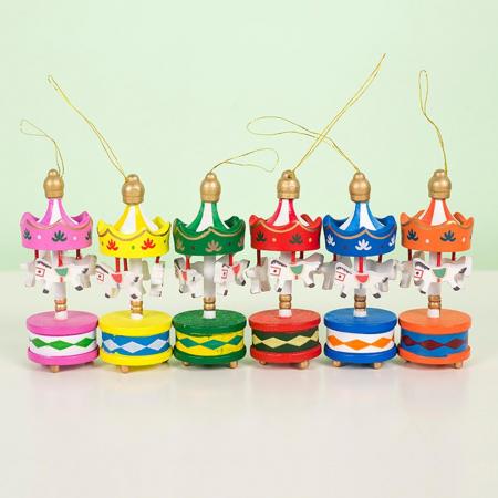 Carusel cu caluti - set 6 ornamente brad Craciun0
