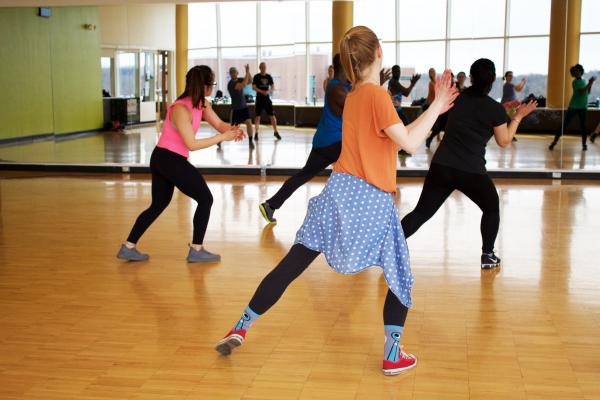 Lectii de dans pentru adulti si aerobic fetno in Bucuresti - Titan Fitness Club 0