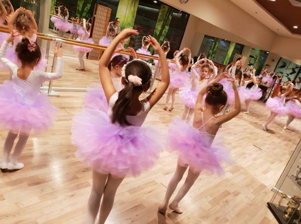 Jocuri de balet pentru copii in Bucuresti - Titan Finess Club