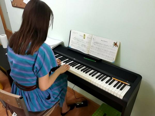 Lectii de pian pentru copii in Bucuresti - Clubul de pian 0