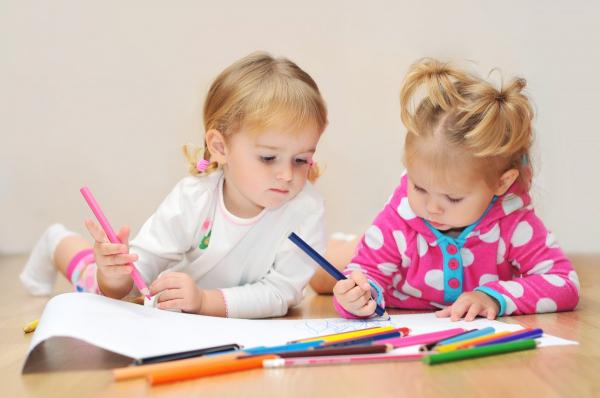 Program de gradinita pregatitoare pentru cei mici, cu varste cuprinse intre 2-3 ani - CreativeThinking Bucuresti