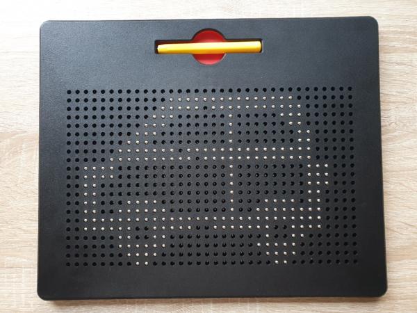 Tablita de desen cu magneti - 380 piese - marca Edu Class 3