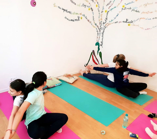 Cursuri de yoga pentru copii si mindfulness in Bucuresti - MikaZen