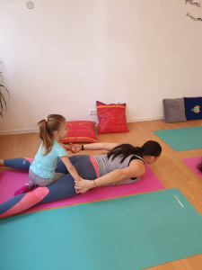 Yoga pentru mamă și copil (3- 6 ani), cu Michelle