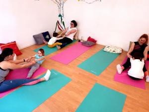 Yoga pentru mamă și copil (2-3 ani) cu Michelle1