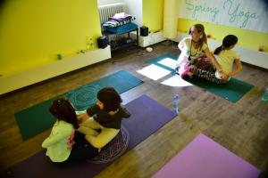 Yoga si Mindfulness pentru copii (7-14 ani) cu Michelle