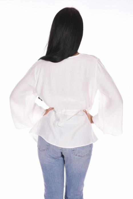 Bluza alba asimetrica cu maneci evazate [1]
