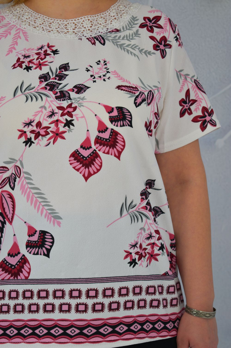 Bluza dama Carina cu maneca scurta si margele aplicate la guler 2