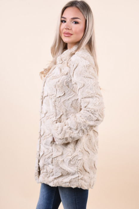 Jacheta dama vero moda cu blanita si guler inalt 1