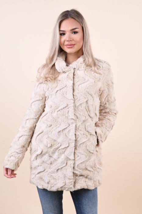 Jacheta dama vero moda cu blanita si guler inalt [0]