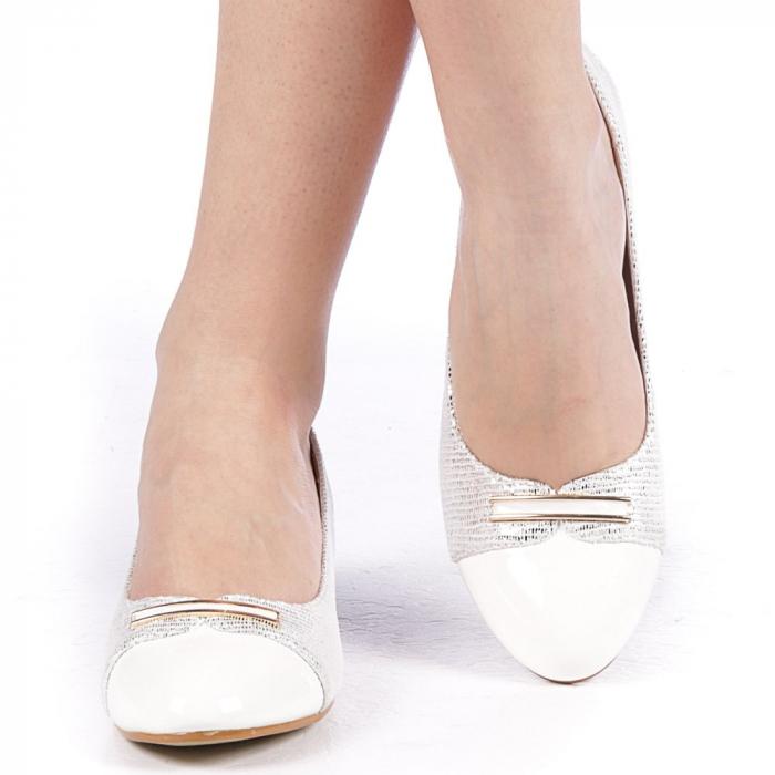 Pantofi dama Adekia albi 1
