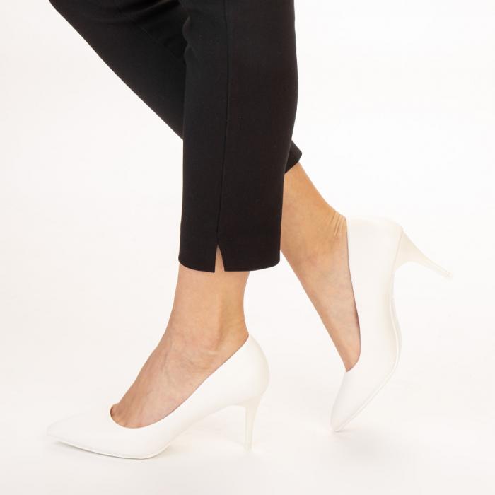 Pantofi dama Delora albi 2