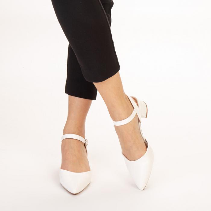 Pantofi dama Leela albi 1