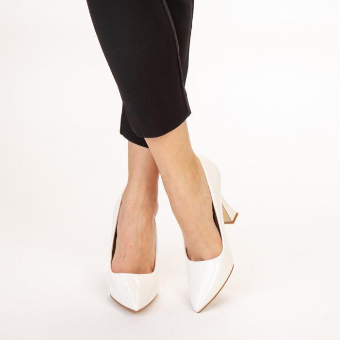 Pantofi dama Wanda albi 1